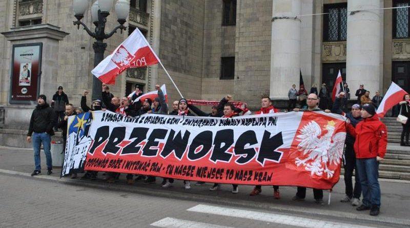 orzeł przeworsk na marszu niepodległości