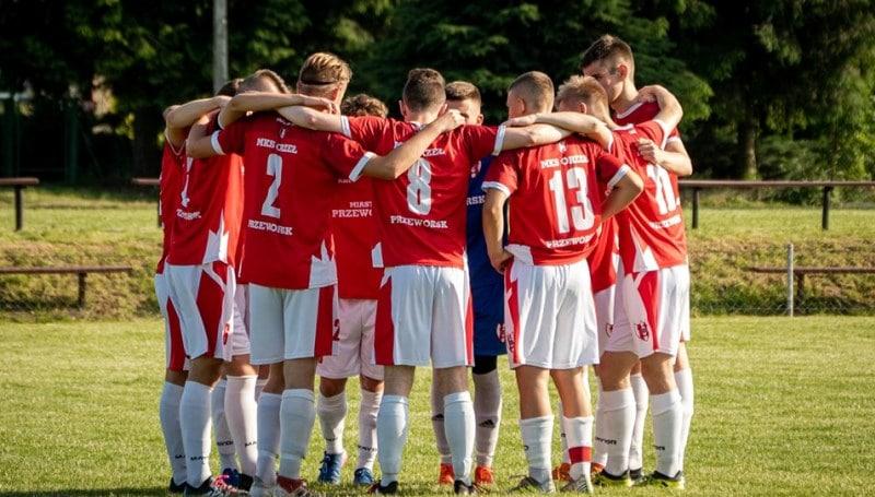 Efektowny rewanż juniorów: Orzeł Przeworsk – LKS Skołyszyn 10:0